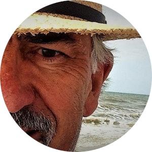 Jud beach hat  2 .jpg?ixlib=rails 1.1